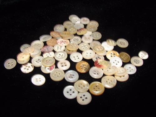 antiguos botones de nacar son 70 sin uso 1 cm. de diámetr