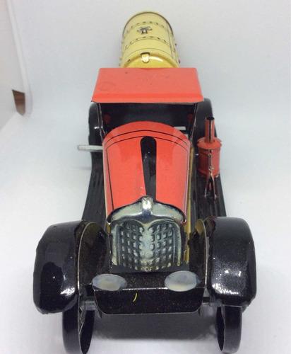 antiguos carritos de lámina