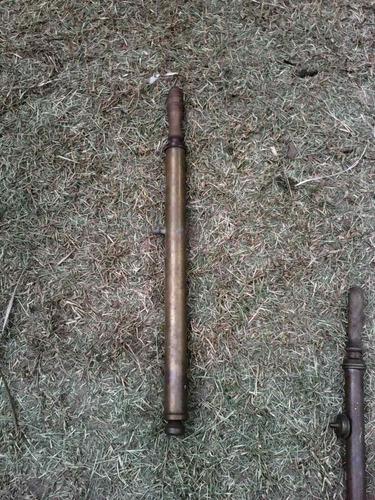 antiguos dos pulverizadores bronce(los dos chicos)