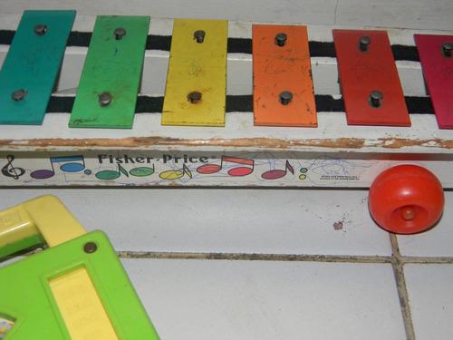 antiguos juguetes cuerda y musical