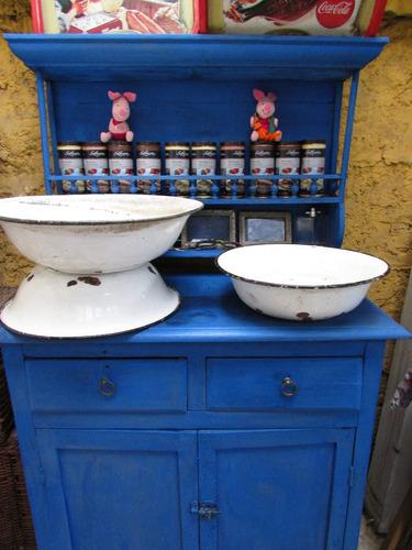antiguos lavatorios enlozados $ 15.000 c/u.
