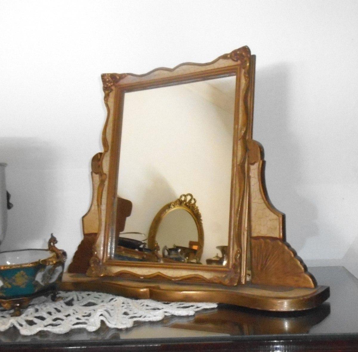 Marcos espejos antiguos un espejo dorado de estilo - Espejos antiguos de pared ...
