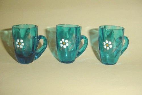 antiguos vasos vasitos de licor en vidrio pintado a mano