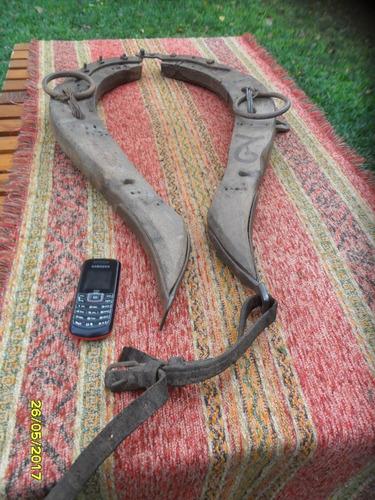 antiguos yuguillos de pechera carro caballo campo a
