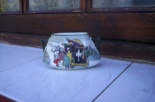 antiquisimo jarroncito  royal doulton serie cocheros