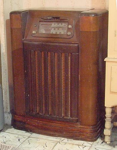 antuguedad radio tocadiscos de colección