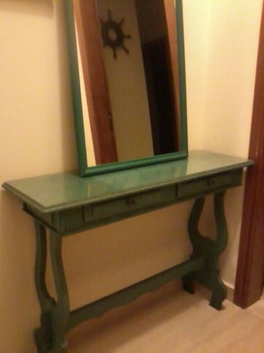 Aparador Colonial Com Espelho lindo R$ 550,00 em Mercado
