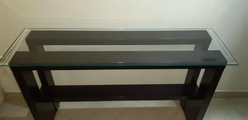 aparador com tampo de vidro