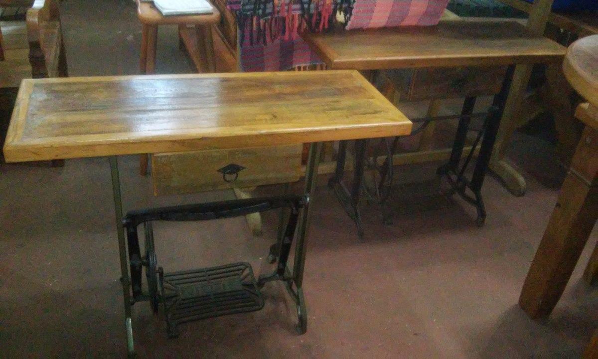 Aparador Rustico Maquina De Costura Antiga Peça Retro R$ 599,00 em Mercado Livre
