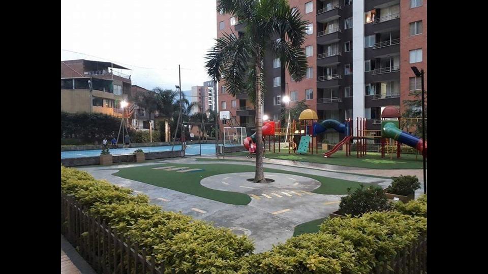 apartaestudio apartamento  amoblado itagui frente al poblado