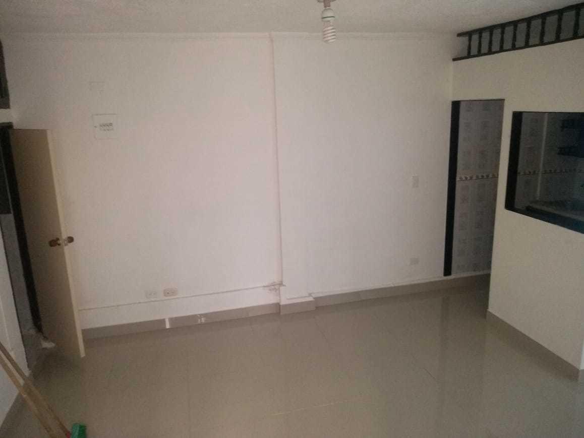 apartaestudio un solo ambiente, cocina, baño y zona de aseo.