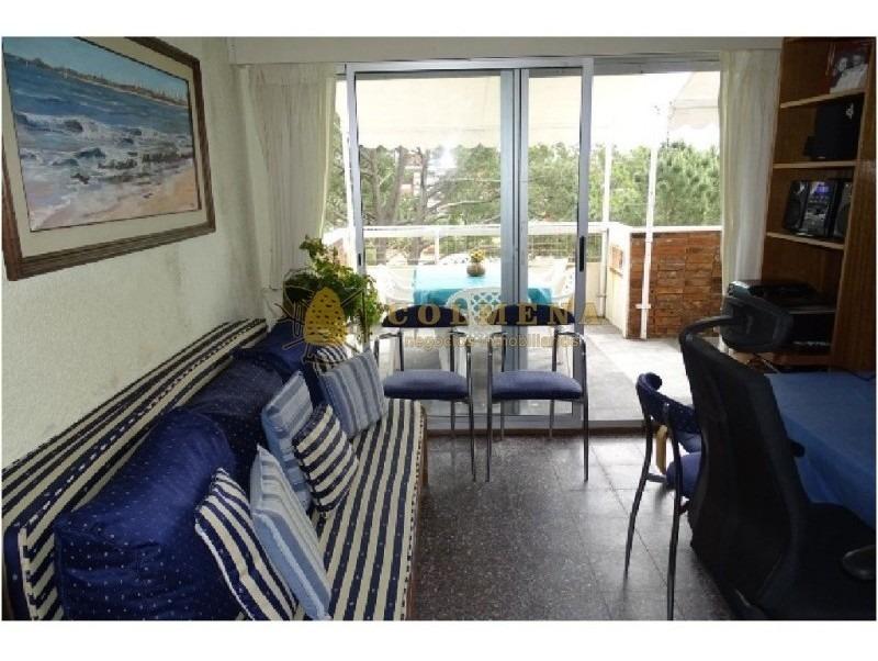 apartamente en plaza mexico de 1dormitorio, living-comedor,cosina, balcon y garaje.- ref: 1174