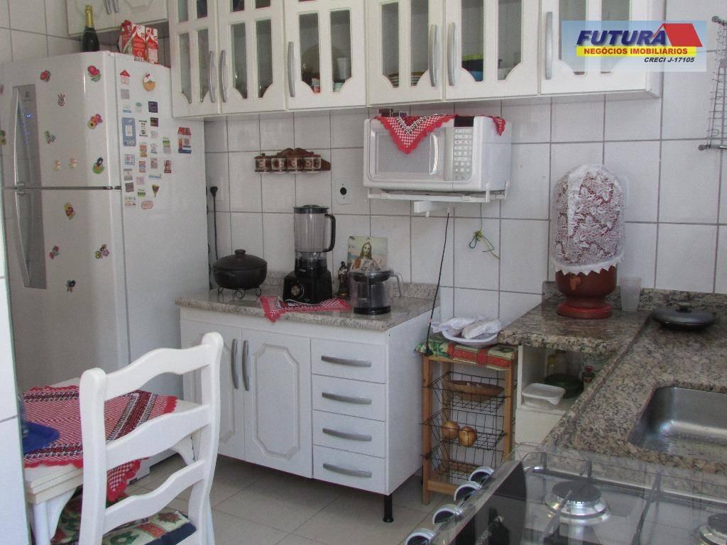 apartamento 03 dormitórios bem arejado em ótima localização! - ap0877