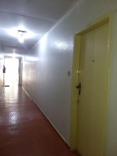 apartamento 1 dorm, no centro, 250 metros do mar!