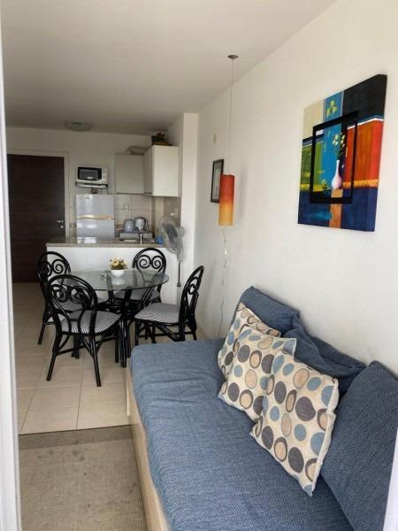 apartamento 1 dormitorio , 1 baño servicios-ref:2451