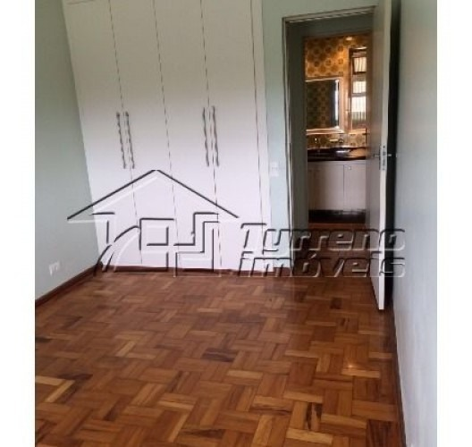 apartamento 2 dormitórios, dependência de empregada, 1 vaga no centro