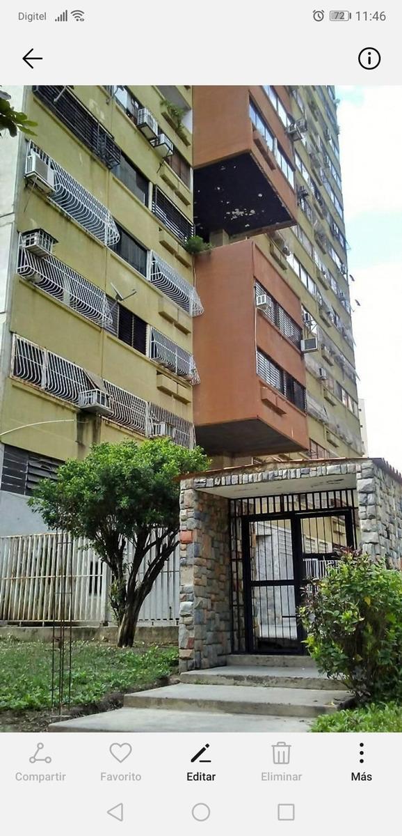 apartamento 2 habitaciónes 1 baño 1
