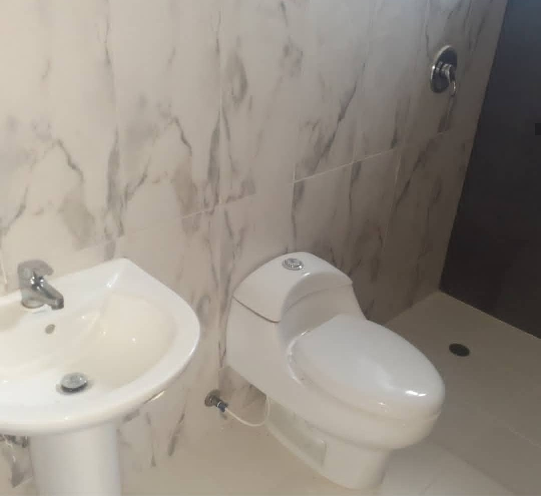 apartamento 2 habitaciones, 2 baños.