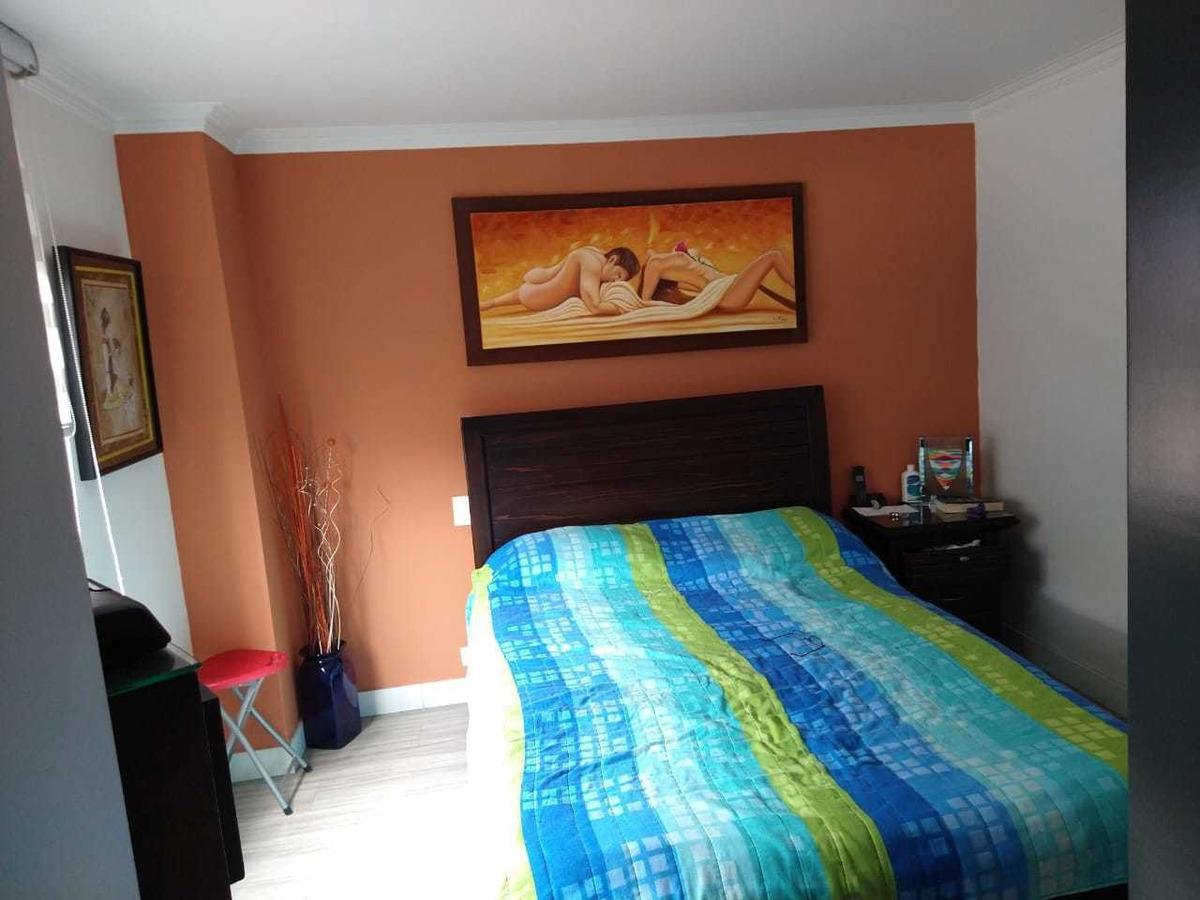 apartamento, 2 habitaciones, 2 baños, estudio, sala comedor.