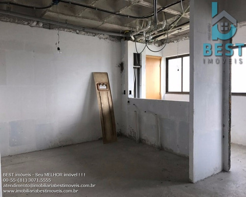 apartamento 230 metros, vista para jaqueira, 4 suites, 3 vagas soltas e cobertas, andar muito alto, um por andar - ap00017 - 3168408