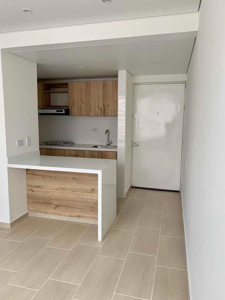 apartamento, 3 alcobas, 2 baños, sala comedor