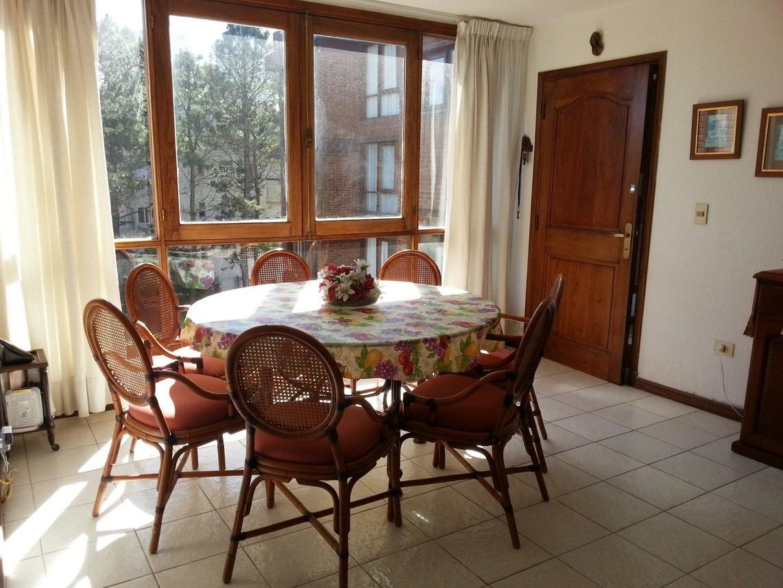 apartamento 3 dormitorios 2 baños garage piscina parrillero