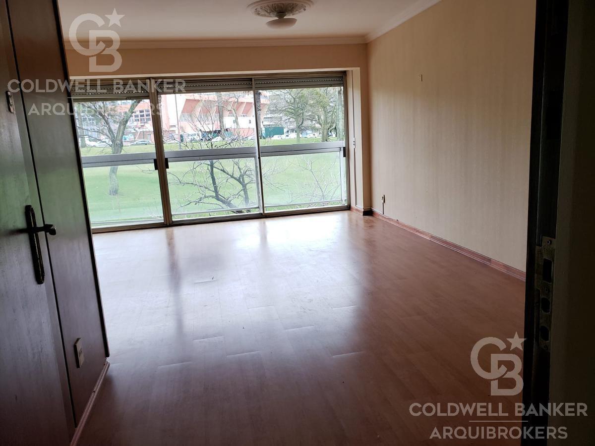 apartamento 3 dormitorios y servicio en alquiler en punta carretas