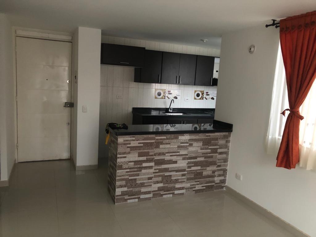 apartamento 3 habitaciones, 2 baños en madrid-cund 2do piso