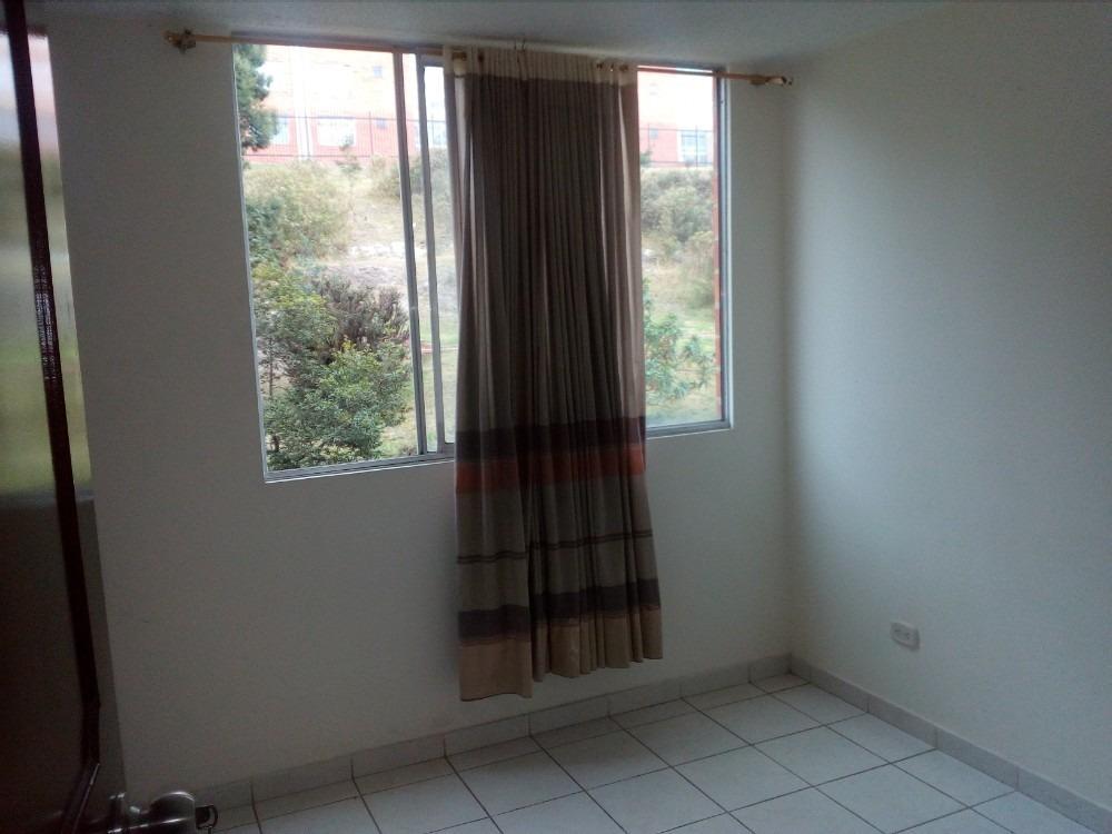 apartamento 3 habitaciones 2 baños muy confortable cálido.