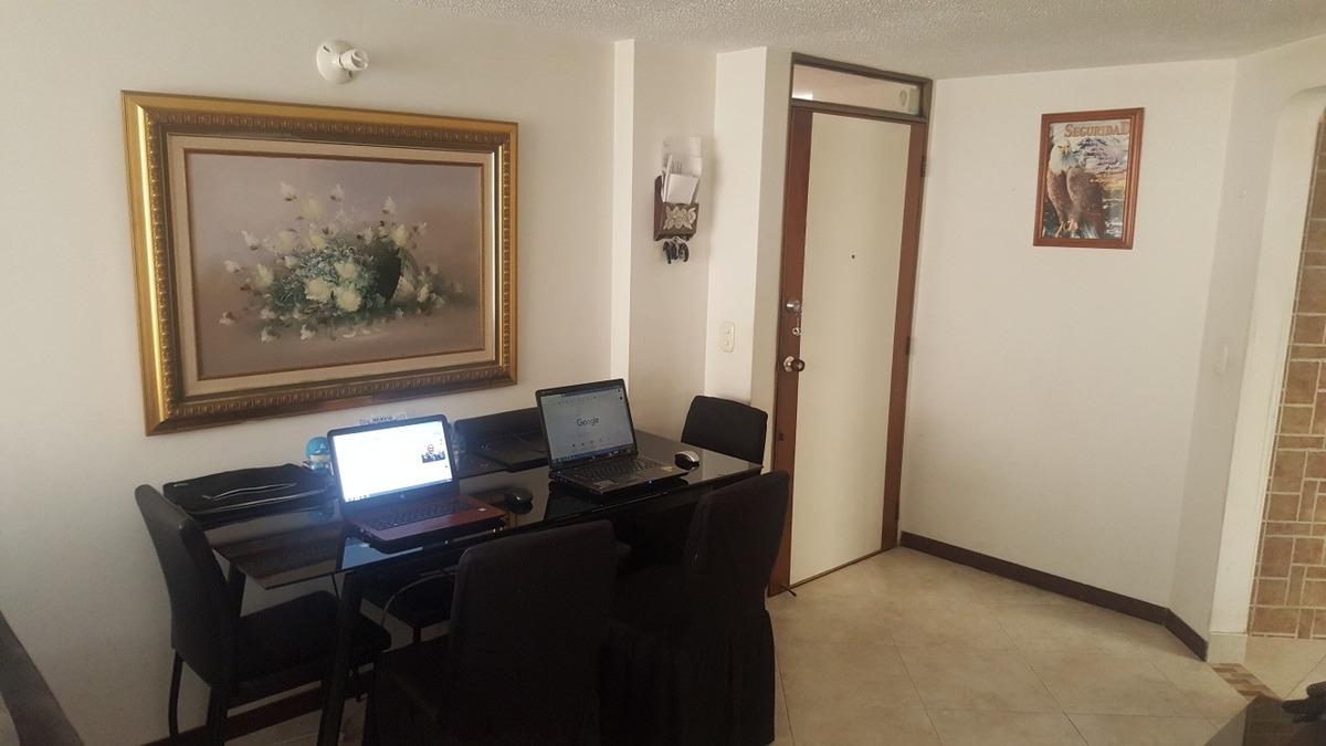 apartamento, 3 habitaciones, 2 baños, sala comedor cocina