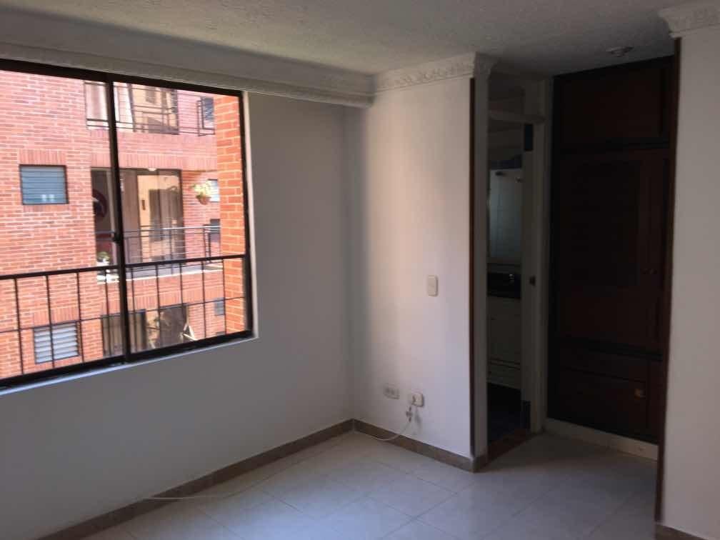 apartamento 3 habitaciones 2 baños y parqueadero