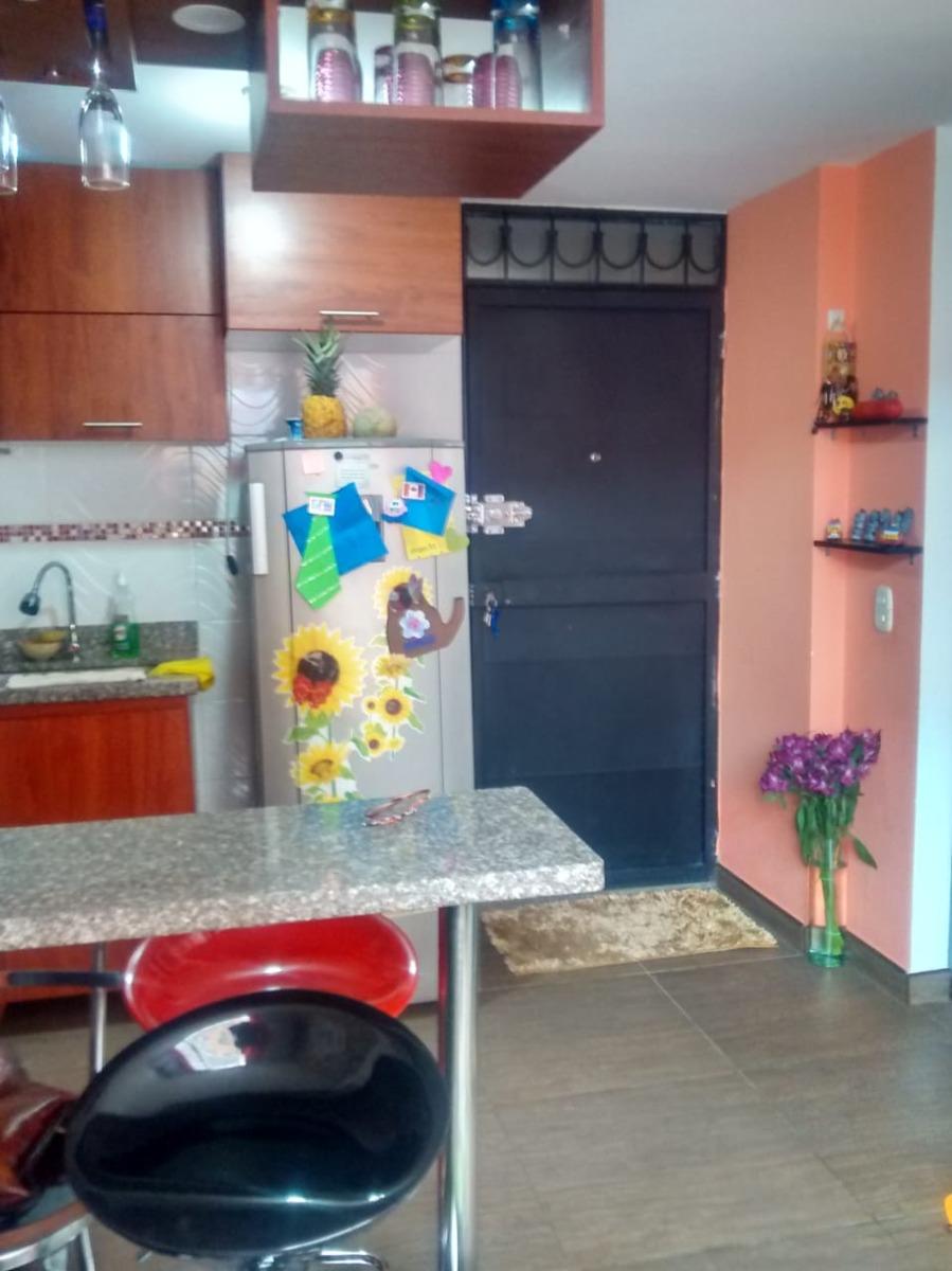apartamento 3 habitaciones, un baño, cuarto de ropas, cocina