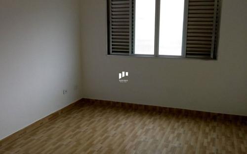 apartamento  3 quartos, suite, sala ampla, cozinha azulejada, área de serviços, banheiro, vaga de garagem, proximo da praia canto do forte, muito bem localizada, segundo andar, excelente para quem q