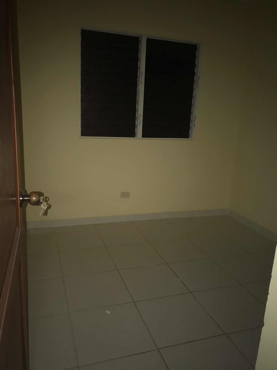 apartamento 3er. piso, 3 hab. y 2 baños res. carmen renata 3