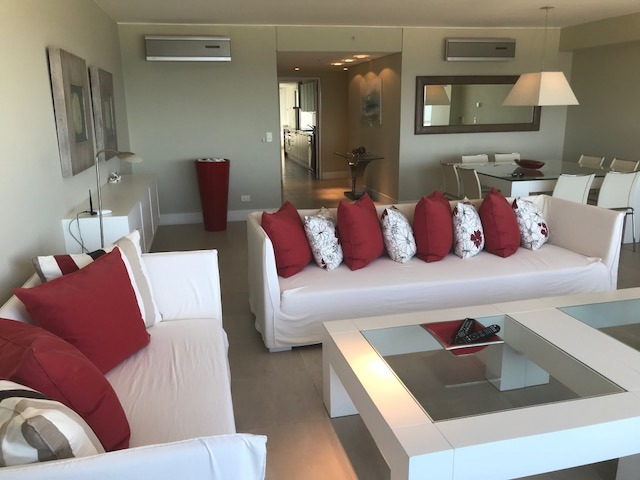 apartamento 4 suites.  playa brava torre de lujo