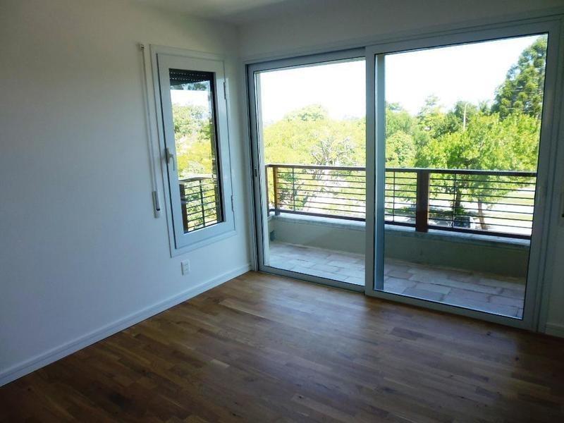 apartamento a estrenar 2 dorm c/terraza y garage en carrasco