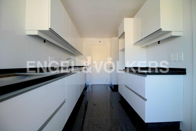 apartamento a estrenar de 3 dormitorios con terraza en punta gorda