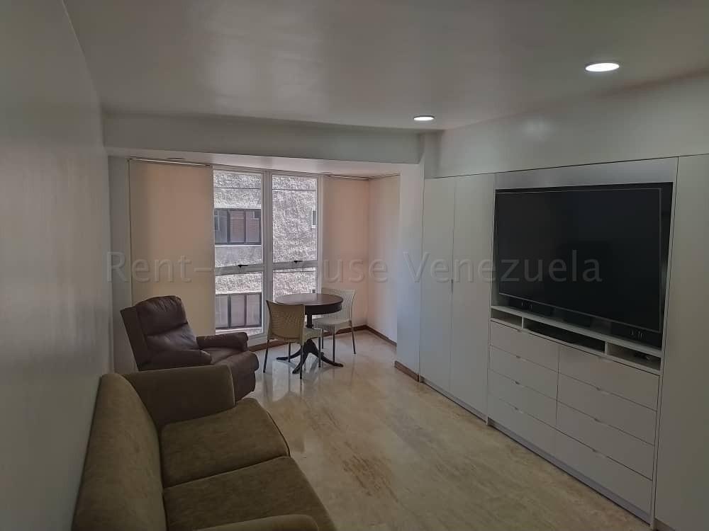 apartamento a la venta en el rosal, con piscina y gym...