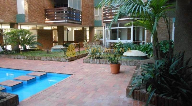 apartamento a metros de la playa mansa de 2 dormitorios 2 baños, balcon y garaje. se permuta por casa en la mansa. consulte!!!!!! -ref:1997