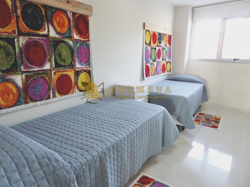 apartamento a una cuadra y media del la mansa de 3 dor + dep consulte!!!!!!!!- ref: 2431