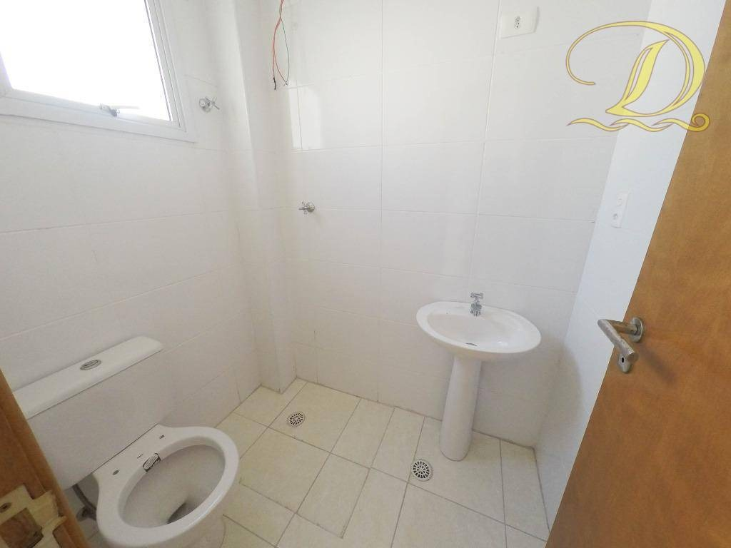 apartamento á venda na aviação com varanda gourmet, área de lazer, 2 quadras da praia, aceita financiamento bancário. - ap1515