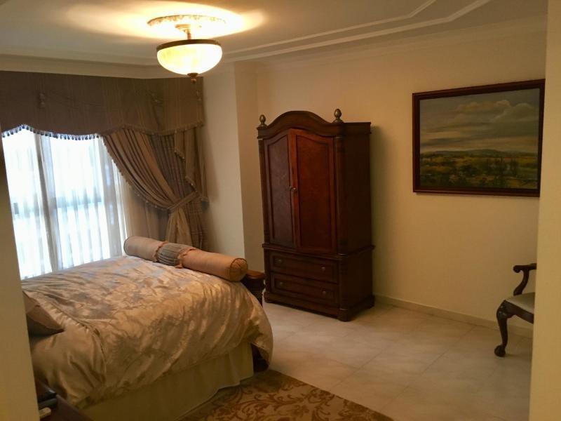 apartamento amoblado en alquiler en obarrio 19-2010 emb