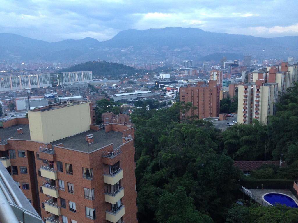 apartamento amoblado en castropol-avenida del poblado