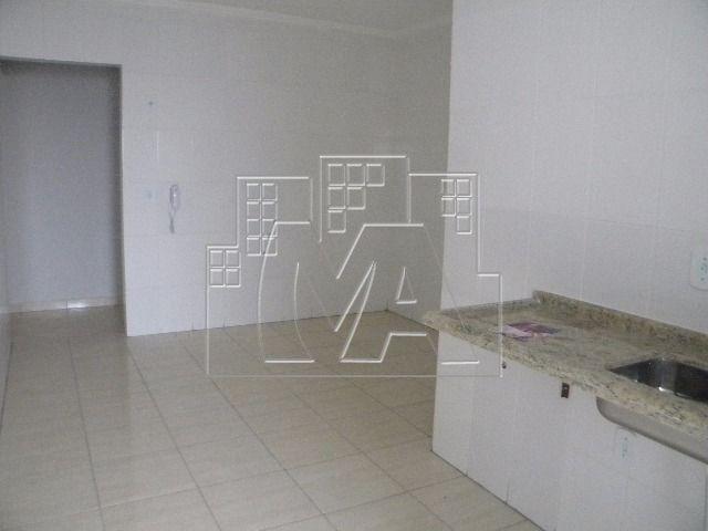 apartamento amplo com 03 quartos em ocian - próximo à praia