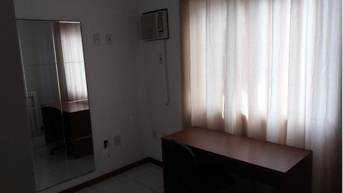 apartamento amplo de 2/4, sendo uma suíte, mobiliado, 2 vaga