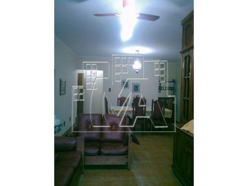 apartamento amplo ,  mobiliado , próximo ao mar , feira de artesanato , comercio , aceita financiamento bancário