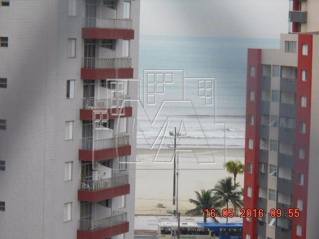 apartamento amplo , próximo ao mar e centro comercial do boqueirão , escolas , hospital,mobiliado e aceita financiamento bancário,todos os ambientes com ar condicionado