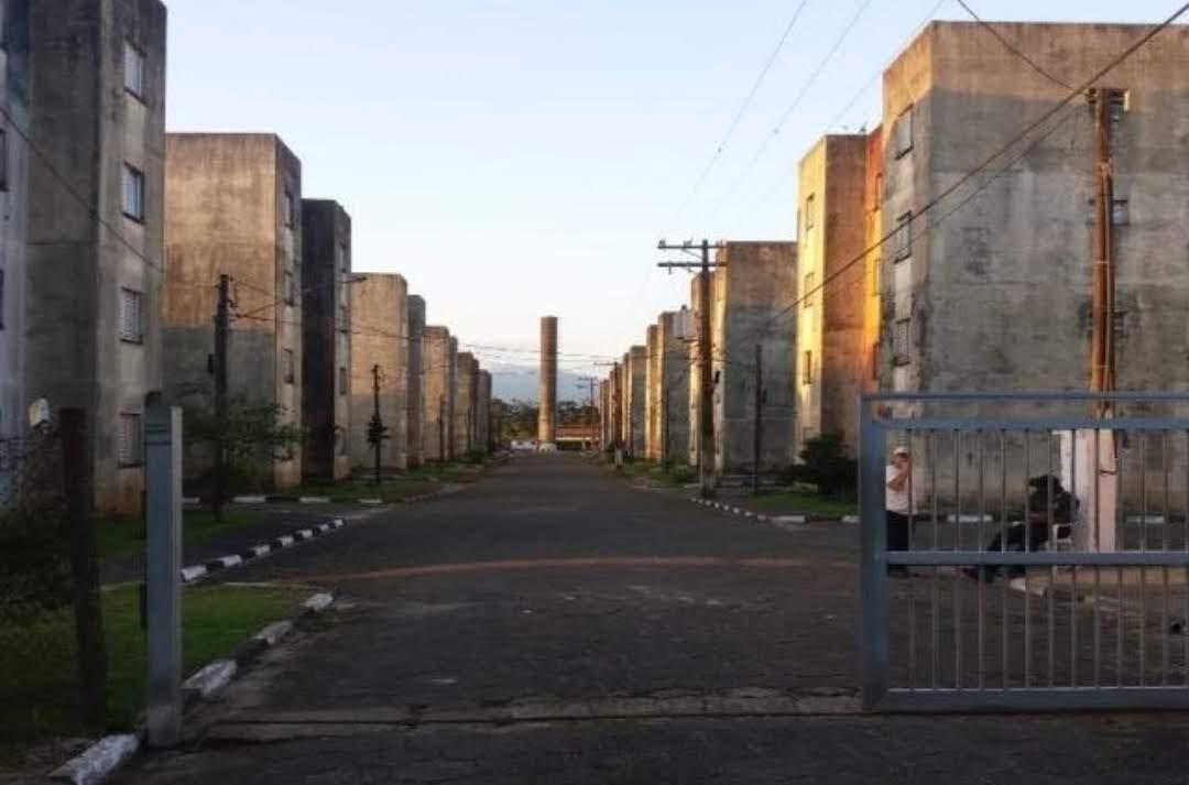 apartamento bem conservado em  mongaguá r$ 75 mil