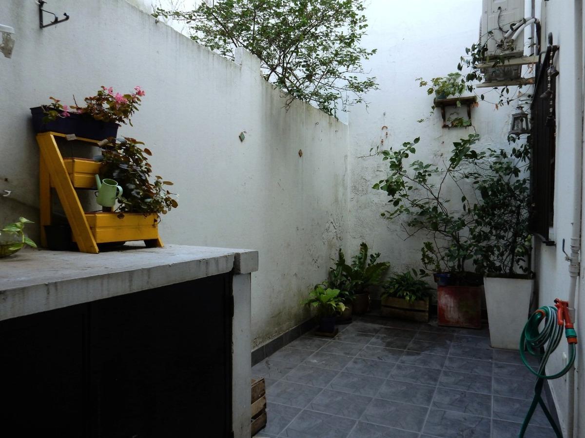 apartamento cálido, en planta baja con patio.