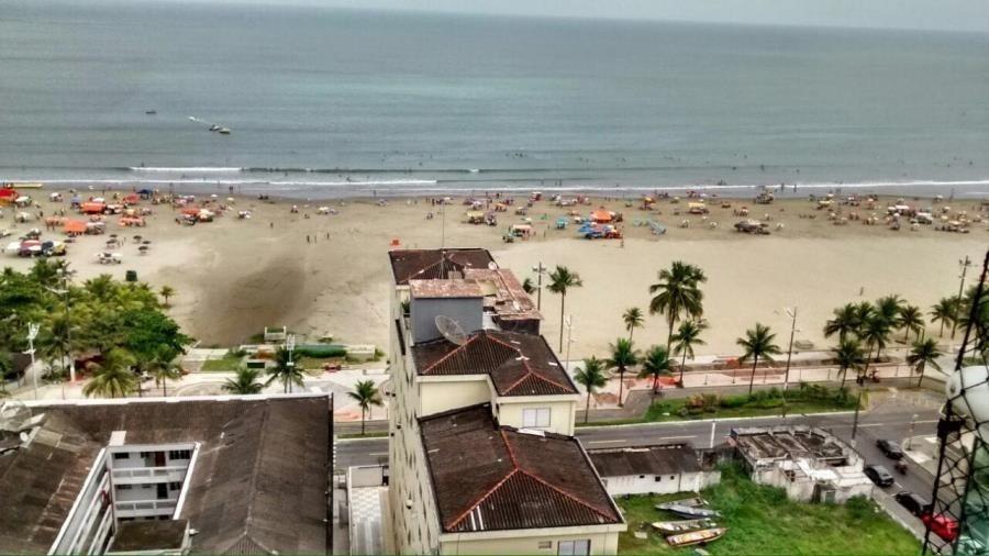 apartamento canto do forte 100m da praia
